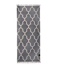 länglicher Baumwollteppich mit Muster und Fransen, grau
