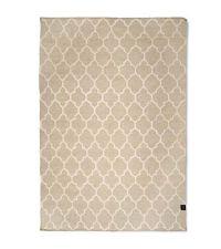 moderner Wollteppich mit hellem Trellis-Muster, naturfarben