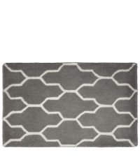 graue Fußmatte mit geometrischem geschwungenen Muster aus PET-Garn