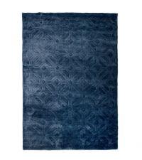 samtiger Teppich in Mitternachtsblau mit geometrischer Musterung