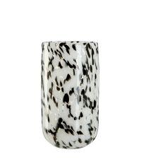 mittelgroße Vase aus massivem, klaren Glas mit Musterung in schwarz & weiß