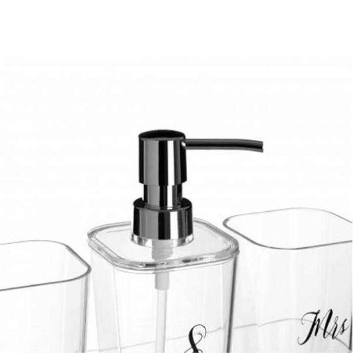 Badezimmer-Set aus zwei Bechern, Seifenspender mit silberner Pumpe und  Aufbewahrungs-Schale mit der Aufschrift \'Mr & Mrs\' aus Plexiglas